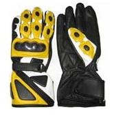 Des gants en cuir de moto jaune